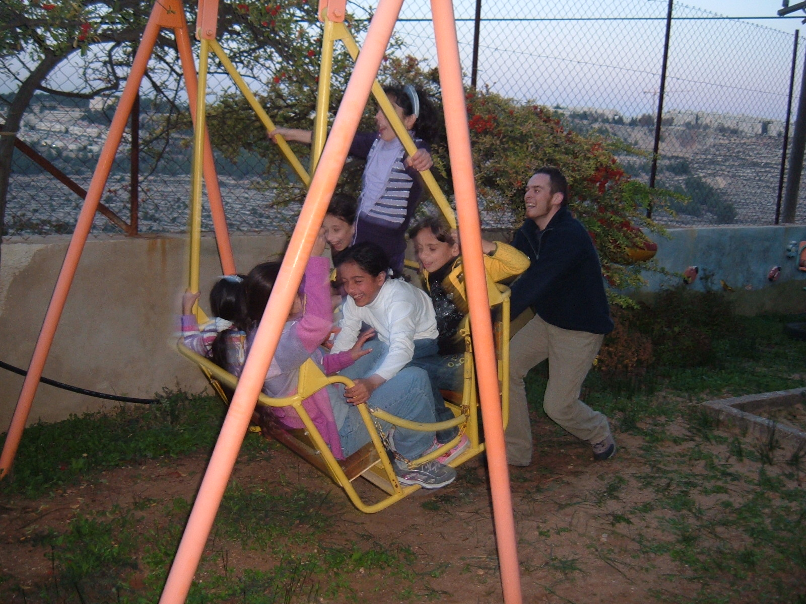 Rodolfo playing with the children in KreamZan